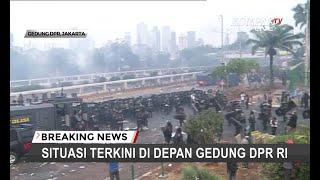 TERKINI - Polisi Lepaskan Gas Air Mata di Depan DPR RI, Massa Berpencar ke Berbagai Arah