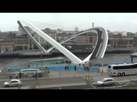 Tilting Millenium Bridge in Action Video Newcastle/Gateshead Quayside.
