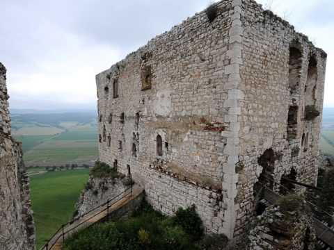 Castles In The Rain. A Slovakian Roadtrip By The Bartosch-Härlid Family