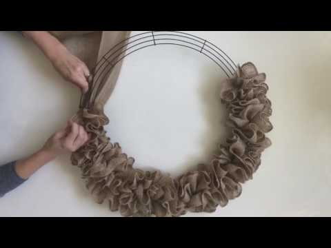 How to make a burlap wreath with two colors video