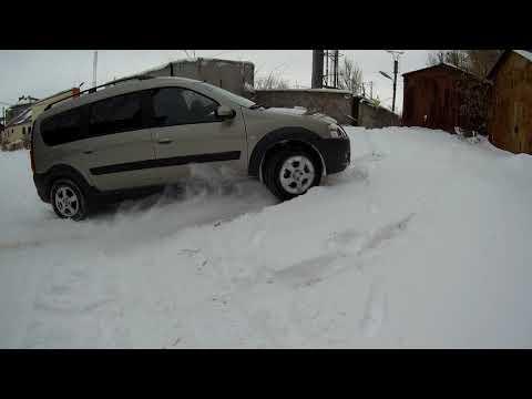 Ларгус Кросс по снегу и льду.