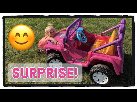 barbie-power-wheels-jeep!-car-wash-and-clean-up!