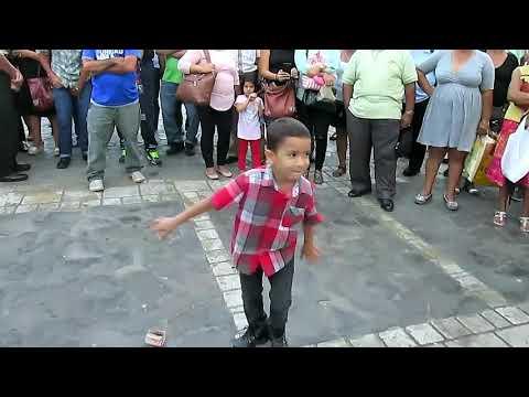 Niño bailarín Sampedrano, bailando al son de la Marimba USULA Municipal
