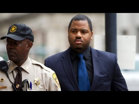 Mistrial For First Freddie Gray Cop In Baltimore