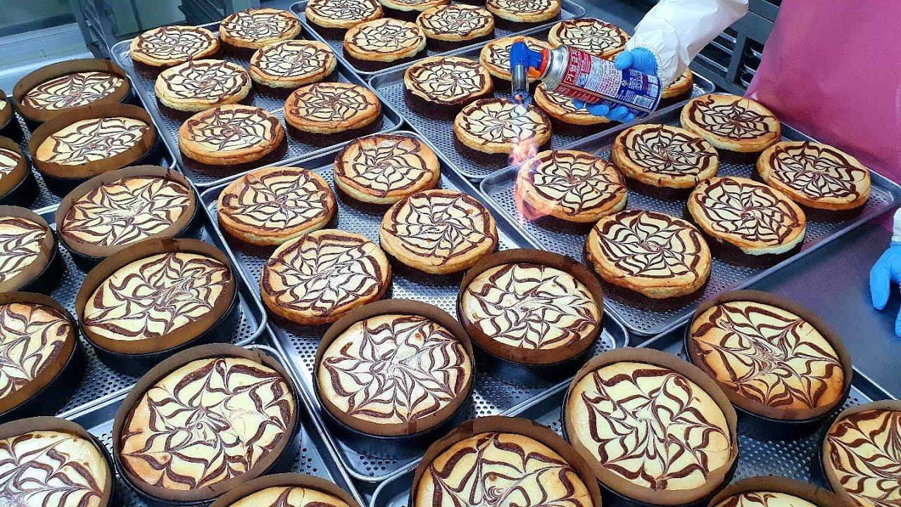 역대급 케익공장이 선보이는! 초콜릿과 치즈를 들이부은 초콜릿 치즈 케이크 Making amazing chocolate cheese cake - Korean street food