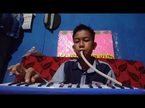 Lagu gugur bunga dengan menggunakan pianika di mainkan oleh Yusri Fahmi