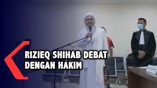 Momen Rizieq Shihab Debat dengan Majelis Hakim di Ruang Sidang
