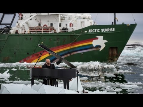 "Greenpeace ""drama queens"" pull ""stupid"" diesel powered stunt to save the world from fossil fuels"