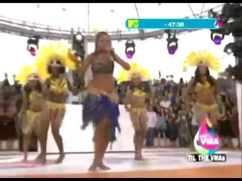 Rihanna - Pon De Replay On Mtv - LIVE In Miami