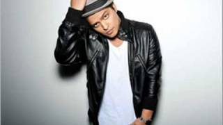 Bruno Mars - Talking to the moon (Best Version)
