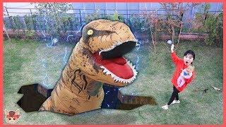 거대 공룡 집에 나타났다! 국민이 땅속으로 사라진 이유? 레고 쥬라기월드 공룡 장난감 상황극 놀이 Lego dinosaur pretend play with toys for kids