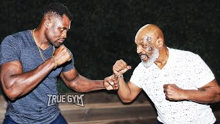 Майк Тайсон учит бить бойца UFC Нганну / Урок трештока от Тайсона / Похвалил Конора за бой с Флойдом