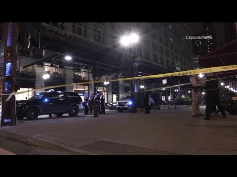 Man, pregnant woman stabbed in the Loop