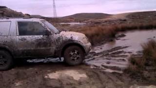 Cowm 4x4 April 2013 Shogun Vs Puddle