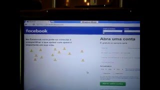 Como descobrir um e-mail de usuario do facebook?