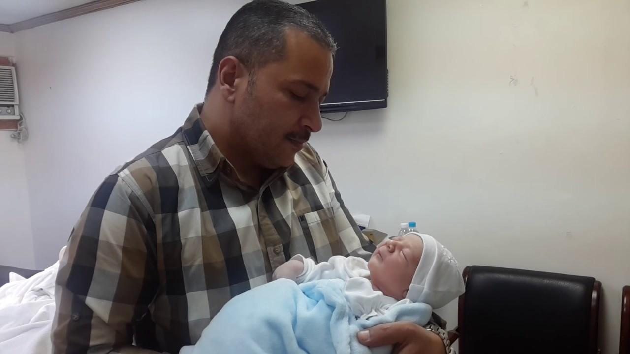 كيفية الأذان في أذن المولود عند الشيعة