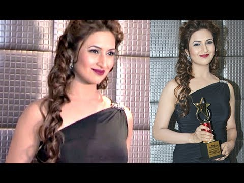Tv Actress Divyanka Tripathi HOT At The Most Admired Leaders Of Maharashtra 2017