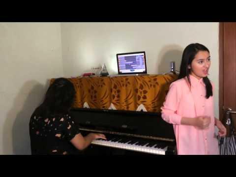Cinta Datang Terlambat Maudy Ayunda cover by Memes Prameswari ft  Sofia Widya Kezia