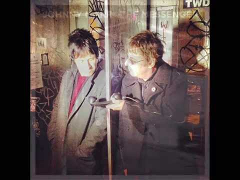 ANDY ROURKE CHATS WITH JOHNNY MARR on EVRradio, February 25, 2013