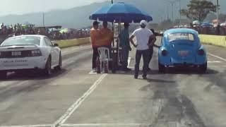 Piques en Acarigua 28-09-2014 VW vs Mustang
