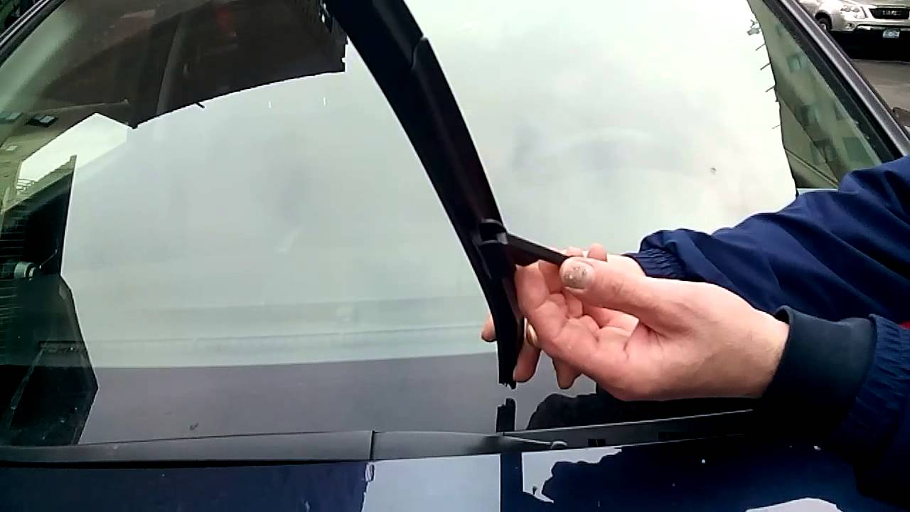 How To Replace HONDA CRV Wiper Blades