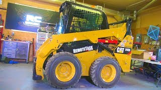 RC ADVENTURES - FiXiNG the LARGEST RC I Own! 8000lb ROBOTiC SKiD STEER - CAT 242D & TORC Robotics