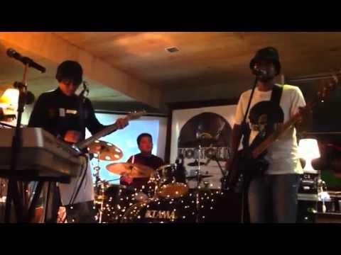 Bangkutaman - Sally Cinnamon ( the stone roses cover)