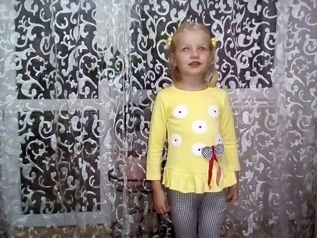 Изображение предпросмотра прочтения – АлисаРожкова читает отрывок изпроизведения «Ребёнка милого рождение» М.Ю.Лермонтова