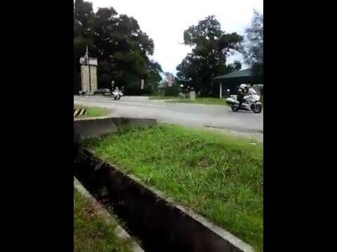 Viral sultan Brunei berjiwa rakyat berhenti kereta slps melihat kanak-kanak melambai tangan