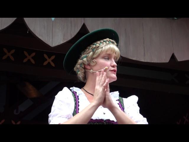 epcot-holiday-storyteller-germany-helga-and-nutcracker