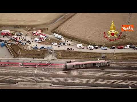 Incidente ferroviario a Lodi, il Frecciarossa deragliato visto dall'alto