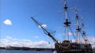 Смотреть видео Ladoshki на прогулке: Санкт-Петербург онлайн