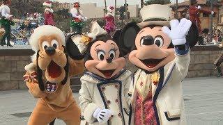 千葉県浦安市の東京ディズニーリゾートのクリスマスイベントが7日、報...