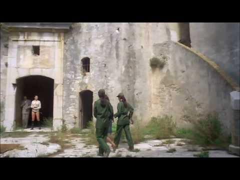 Frauengefängnis (1976) (Clip 02)