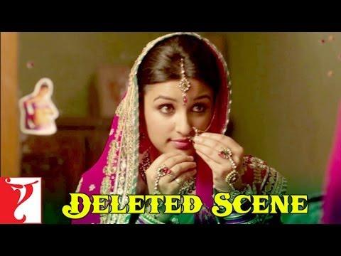 Deleted Scene:5 | Shuddh Desi Romance | Gayatri tells her friend that she wants to smoke | Parineeti