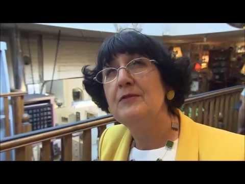 Anita Manning vists Northcote Antiques