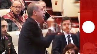 Video Angry Erdogan lashes out during speech by top lawyer in Turkey