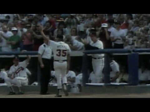 niekro-exits-to-ovation-during-final-game