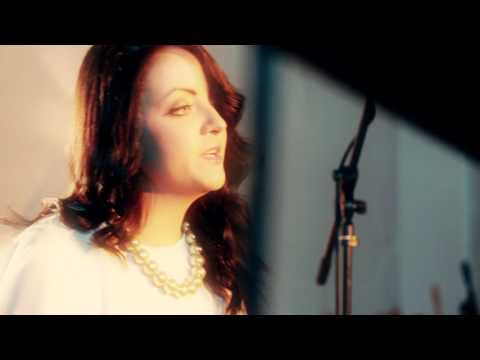 Eimear Reynolds   Get Me Through December Official Video