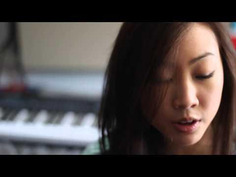 Carrie x Lateeya - Lullaby (Ukelele Cover)