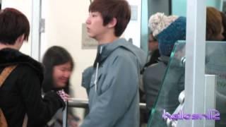 121201 EXO@Hong Kong Airport Part 1/2