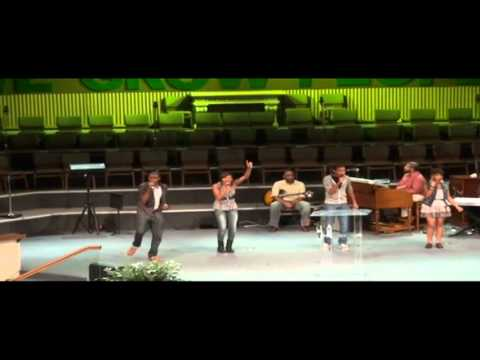 The Walls Group LIVE!  Churchin.mp4  THE WALLS GROUP NEW CD NOW AVAILABLE ON ITUNES, AND AMAZON
