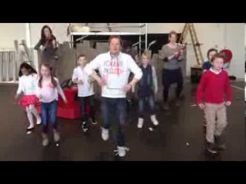 Wonderlijk Pluk van de Petteflet in het theater - Stampsong - YouTube QP-32