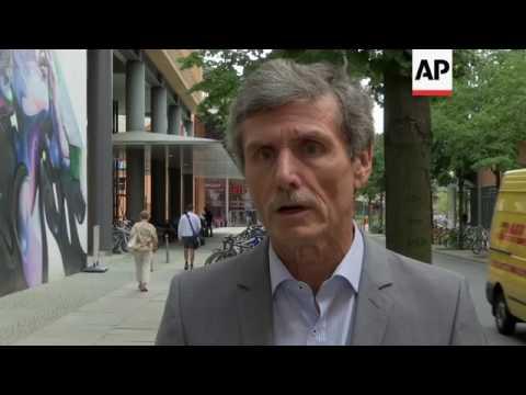 Protest at diesel emissions meeting in Berlin
