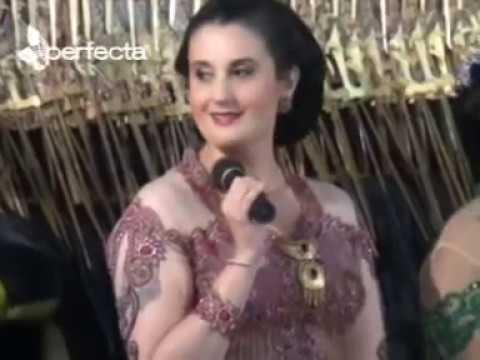 Dagelan lucu Megan C.D William sinden USA Feat Gareng Bersama Ki Dalang Mulyono Purwo Wijoyo
