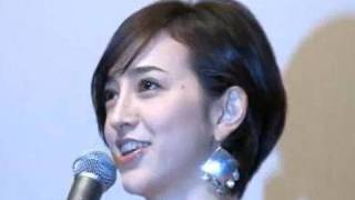 フリーアナウンサーの滝川クリステルさん(32)が17日、東京・新宿...