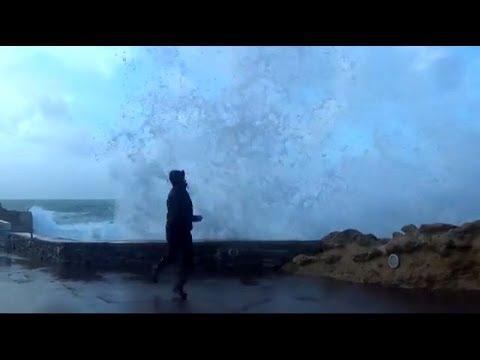 Tempête et grosses vagues à Biarritz (storm and huge waves)