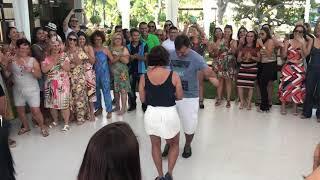 A pisadinha invade a pista de dança do Chica Chaves .