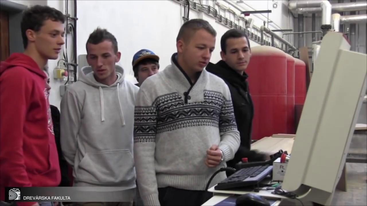biele chlapci datovania hispánsky