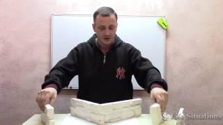 видео Как выложить угол декоративным камнем своими руками?